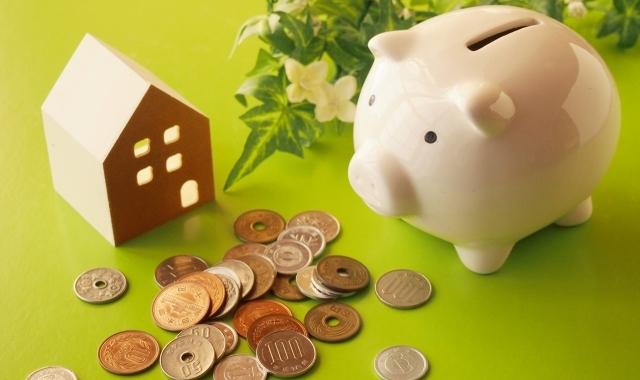 家と豚の貯金箱